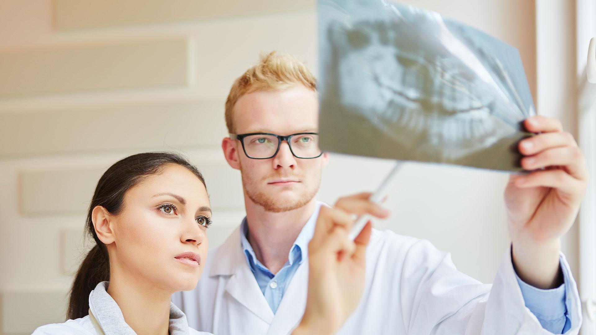 Fachzahnarzt für Oralchirurgie